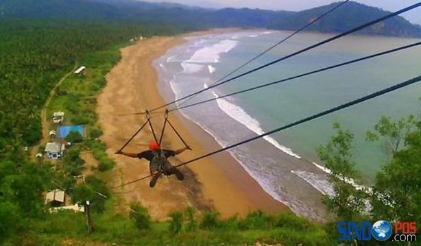 Wisata Pantai Taman Pacitan