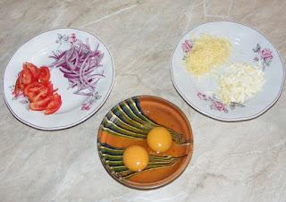 retete cu oua branza rosii si cascaval, cum facem omleta taraneasca, retete culinare,