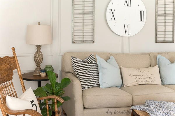 DIY farmhouse clock for wall decor