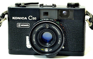 Konica C35 Automatic, Front