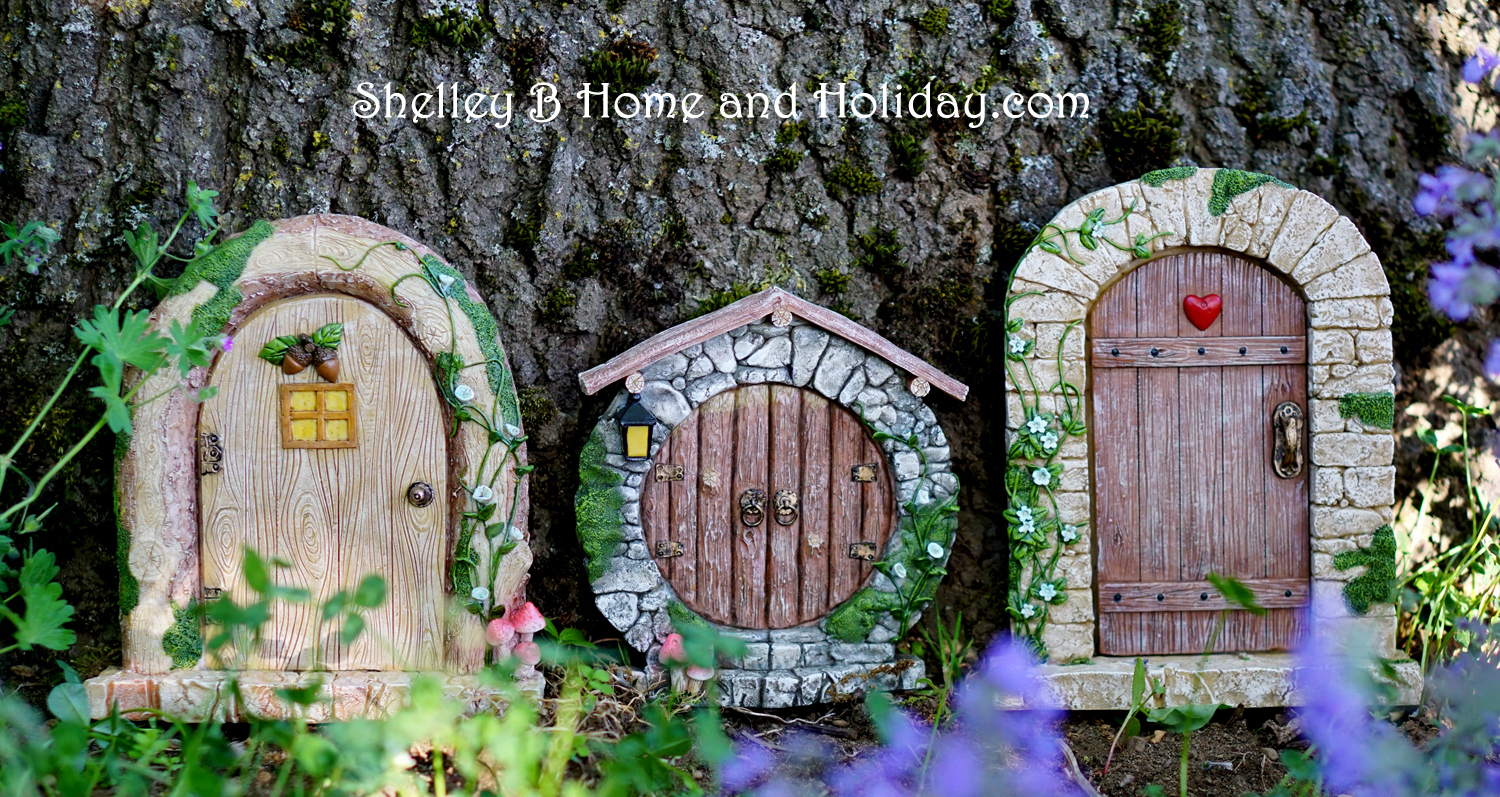 Miniature garden figures and houses shelley b home and for Miniature fairy garden doors
