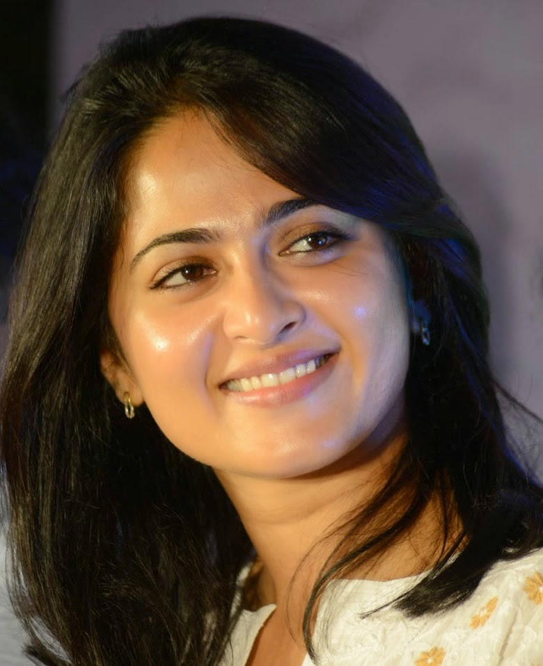 Anushka Shetty Beautiful Face Close Up Stills
