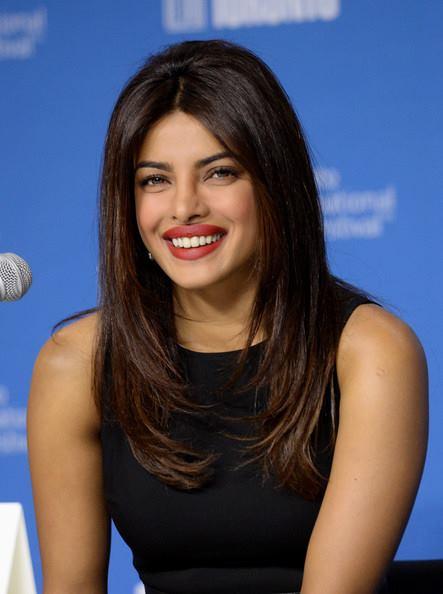 priyanka chopra cute smile wallpapers