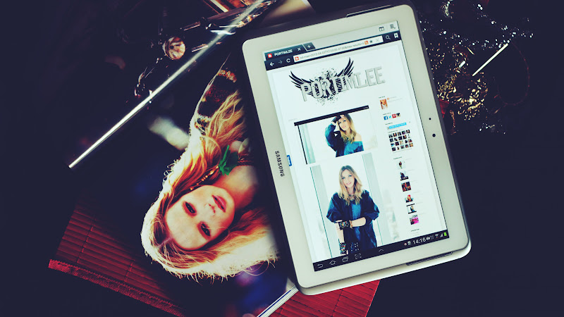 Fashion website opened on Samsung tablet HD
