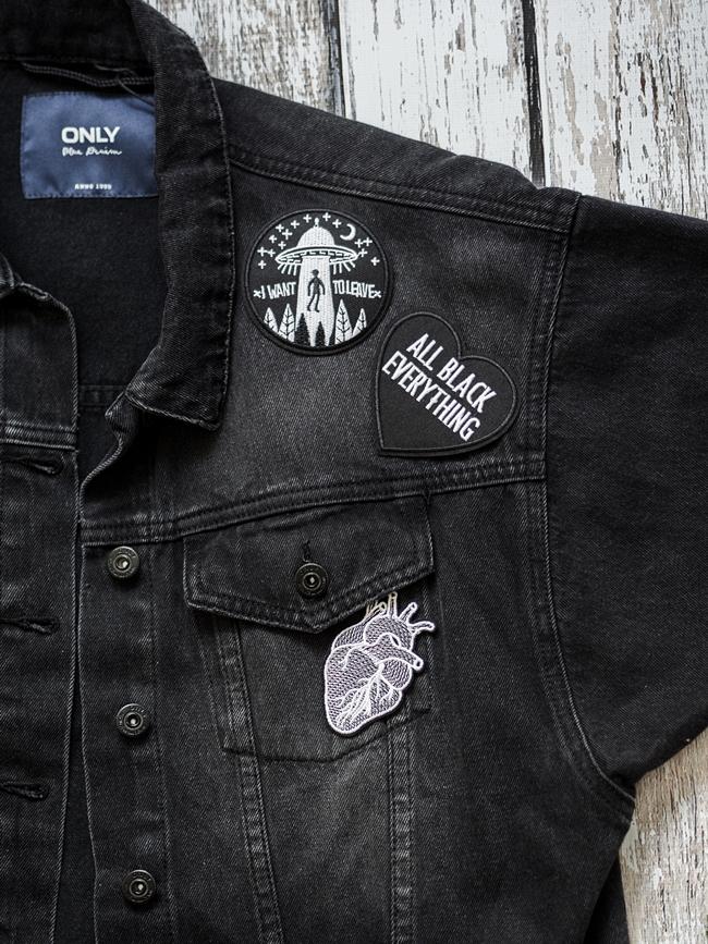 rockowa katana, jak przerobić kurtkę jeansową