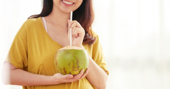 Bolehkah Ibu Hamil Minum Air Kelapa Muda Setiap Hari