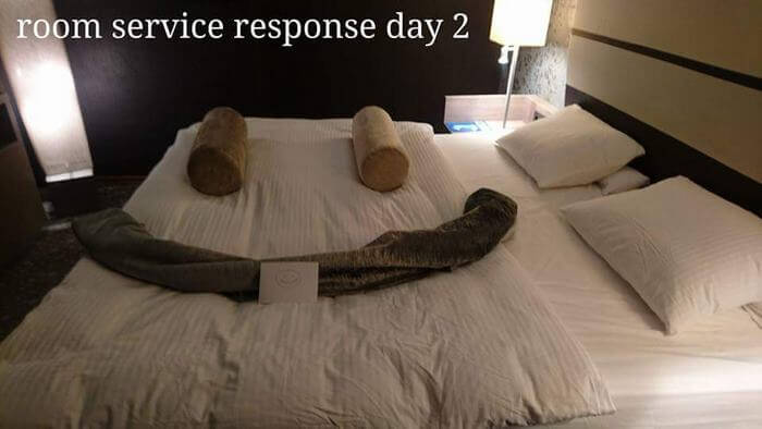 Bored Business Traveler 'Challenges' His Housekeeper In A Funny And Creative Way - The housekeeper remade the bed