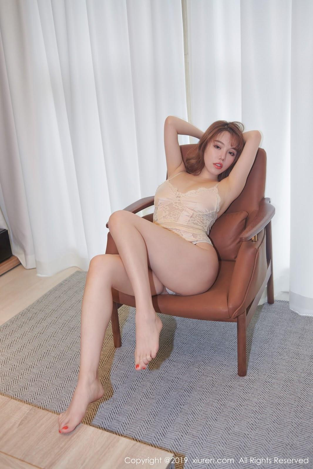 XiuRen No.142 Model 黄楽然 (Huang Le Ran)