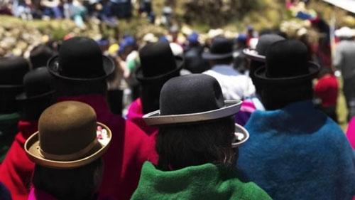 El sombrero de la cholita paceña entre los más destacados del mundo