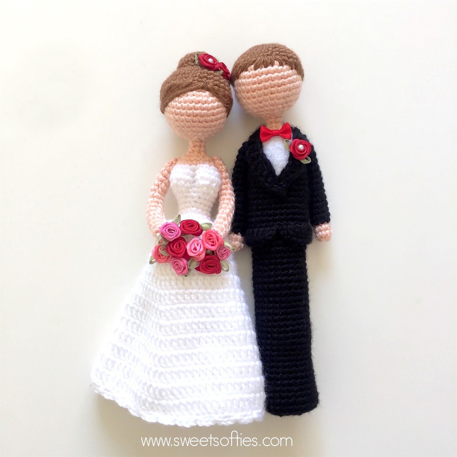Knitted Bride And Groom Cake Topper Pattern