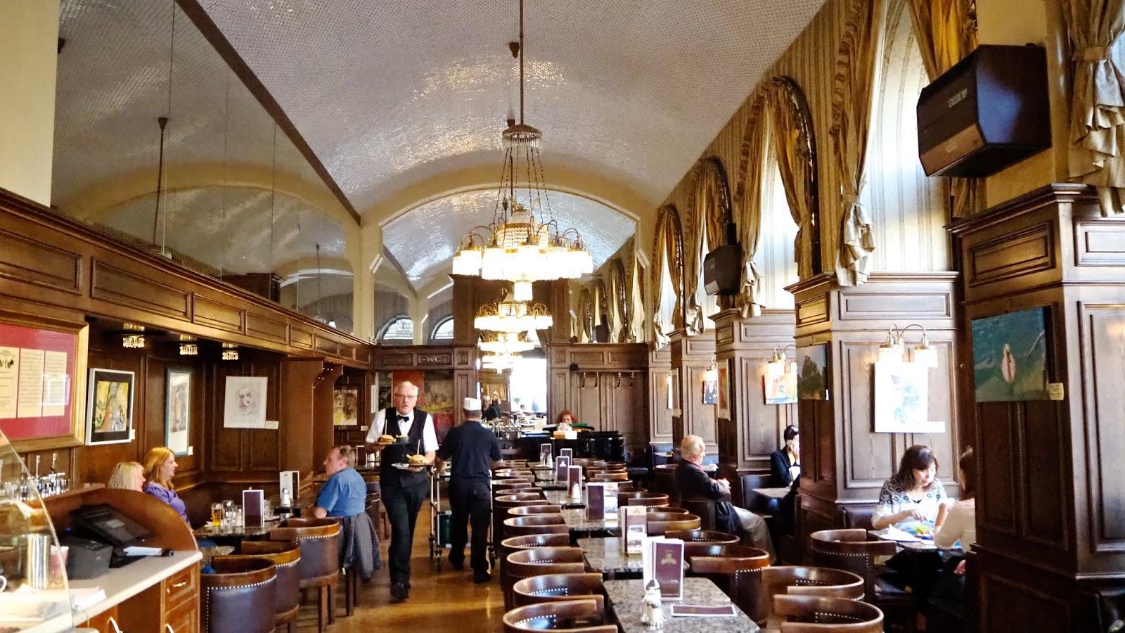 Cafe Schwartzenberg Interior