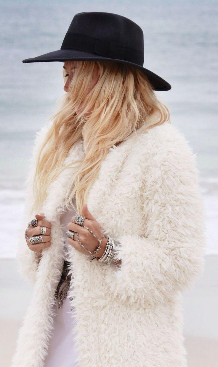 Trend alert: Faux Fur / Efecto pelo - FRONT ROW