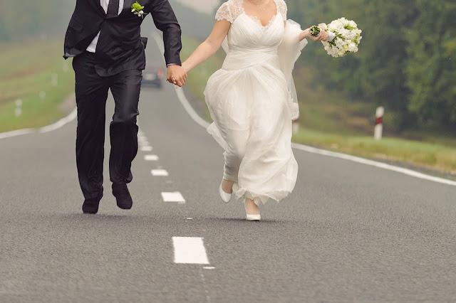 Buongiornolink - Si sposano... e scappano senza pagare il conto del pranzo di nozze