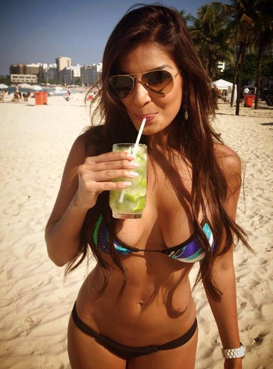 Introducing hot Costa Rican reporter Jale Berahimi
