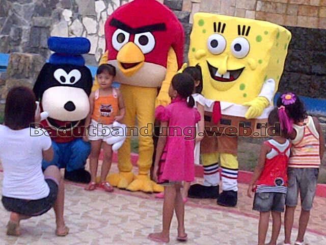 sewa kostum badut goofy, angrybird, spongsbob