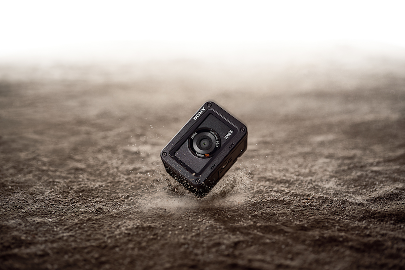 Shockproof camera of up to 2 meters and crushproof up to 200kg of force!