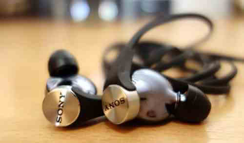 King of Bass: Sony MDR-XB90EX