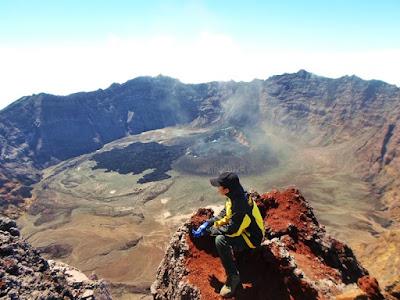 kaldera gunung raung