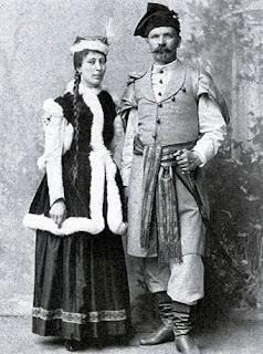 Wladysław Łebkowski z żoną Stefania z Woyna Orańskich herbu Kościesza w strojach polskich