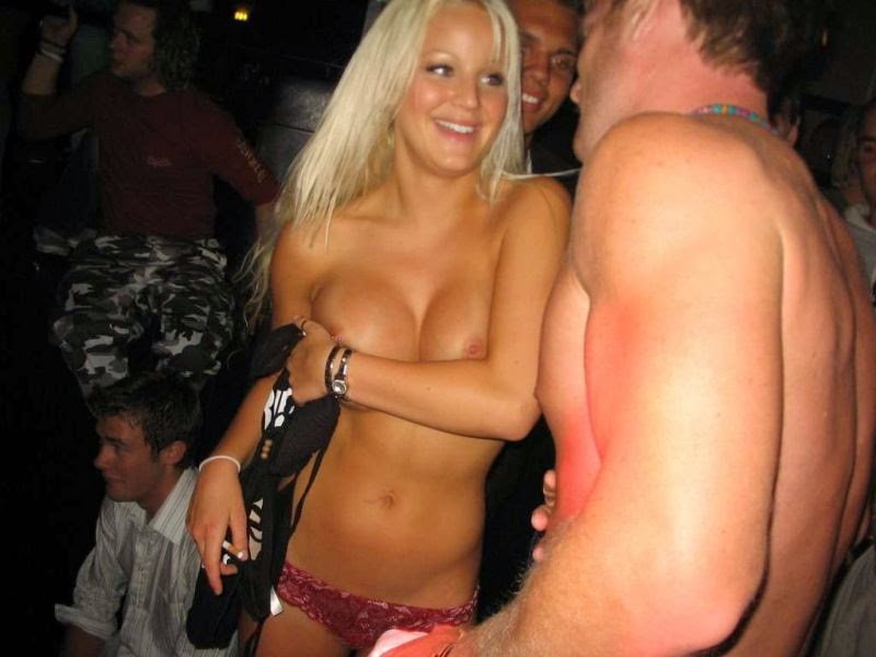 Nude party blond