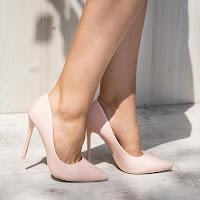 Pantofi dama Stiletto Chicoine nude cu toc subtire • modlet