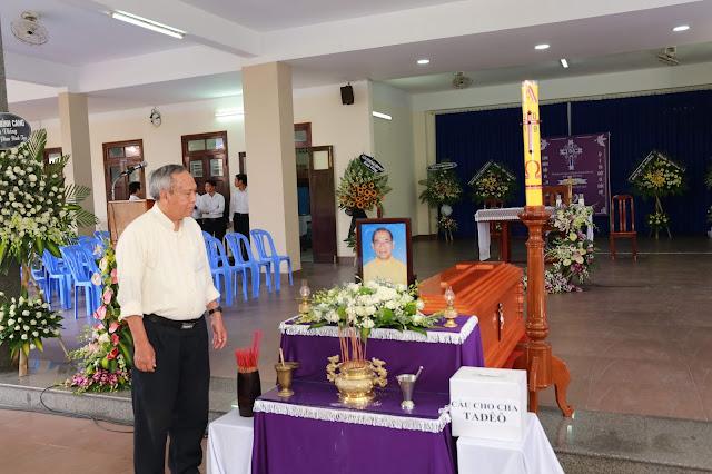 Thánh lễ an táng Cha Tađêô PHAN ĐÌNH TẠC