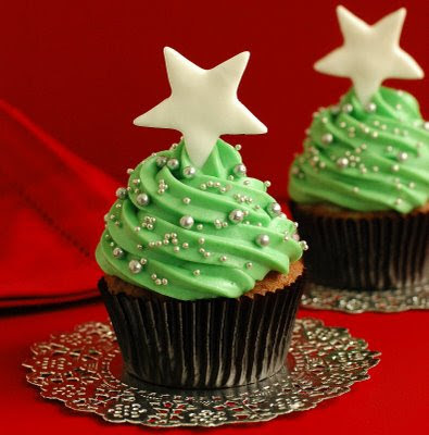 green Christmas cupcake