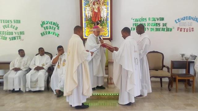 """Parroquia """"El Buen Pastor"""", recibe nuevo párroco nativo de San Juan"""