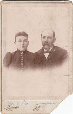 Cabinet card Renaas photographer before 1867 portrait of Simon Snider and Nancy Snider