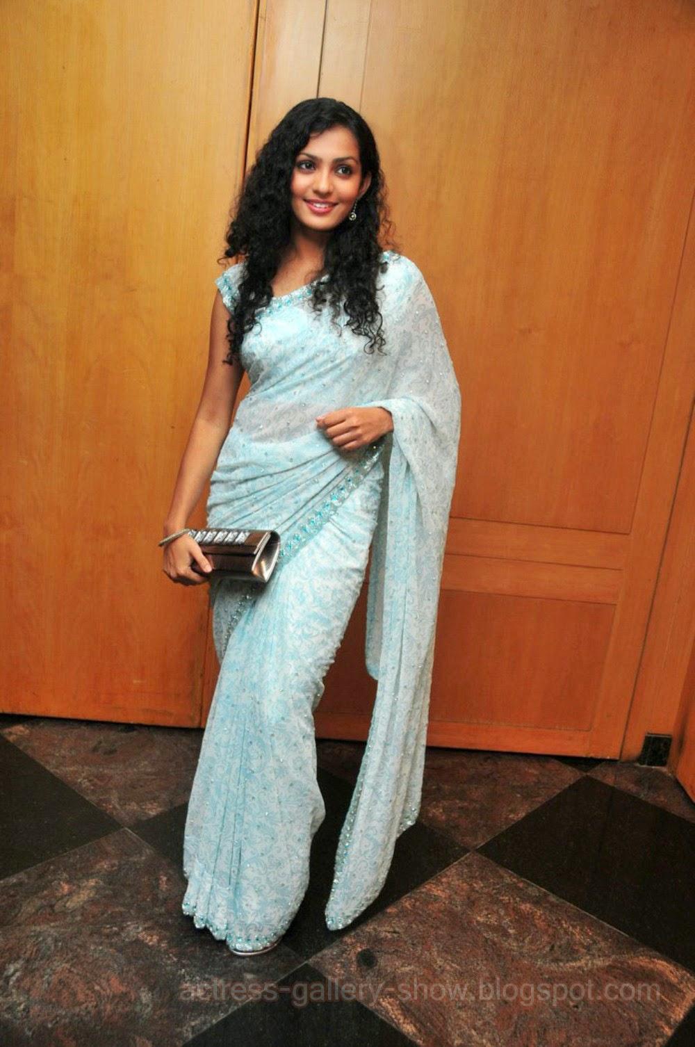 Actress Navel Hot Stills Anushkriti Spicy Cleavage Parvathi Menon Exclusive Hot Photos
