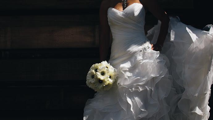 Wallpaper: Beautiful Bride Dress