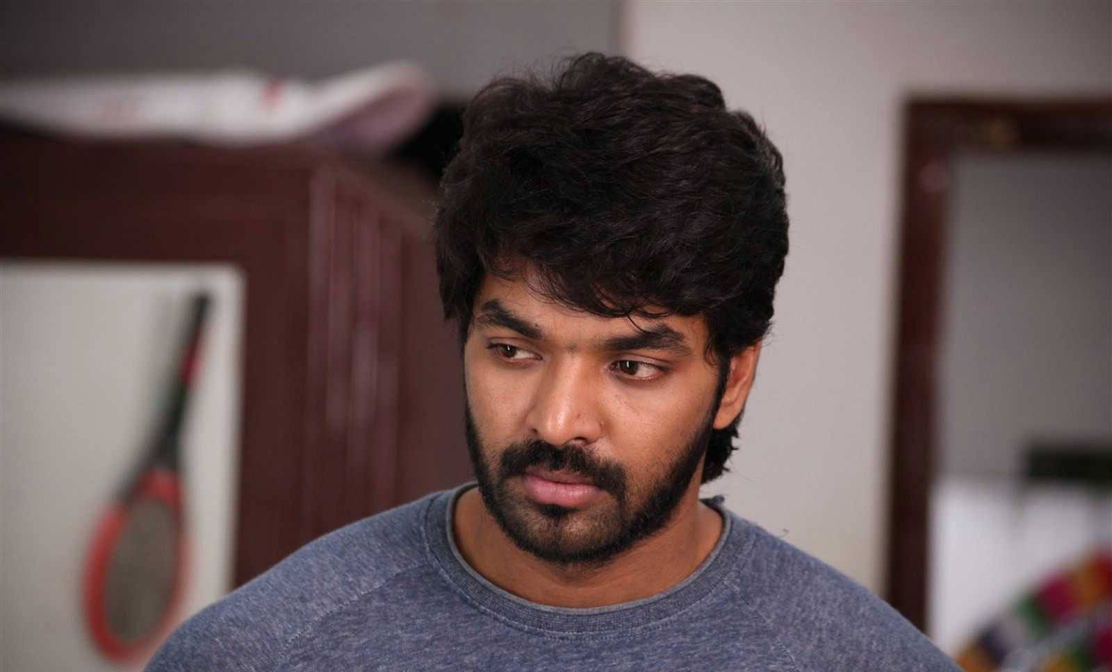 Chennai Court issued Unbailable Arrest Warrant against Actor Jai for Drunk and Drive case!