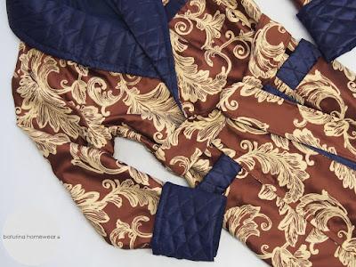 Edler Luxus Paisley Herren Hausmantel mit stilvoll gesteppten Schalkragen