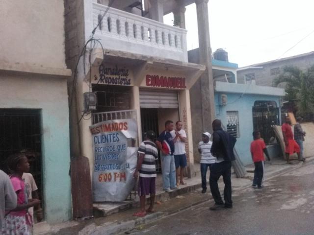 Tres heridos tras explotar un horno en SPM