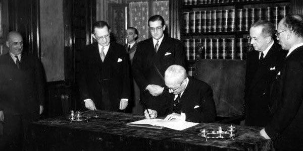 27 dicembre 1947 71 anni fa il capo provvisorio della Repubblica italiana Enrico De Nicola