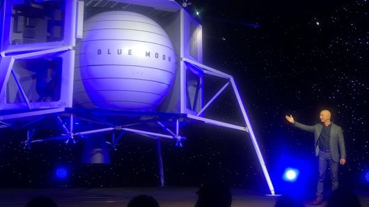 Jeff Bezos unveils lunar lander to take astronauts to the moon by 2024