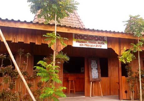 Rockpool Floating Market Lembang