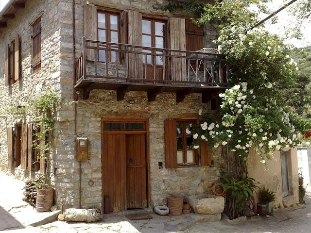 Αύριο ποιοι θα έχουν σπίτια και περιουσίες στην Ελλάδα;