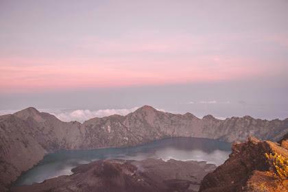 Menggapai Puncak Gunung Rinjani