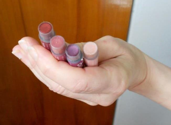 Look deVine Wine Inspired Beauty upcapped lip shimmers