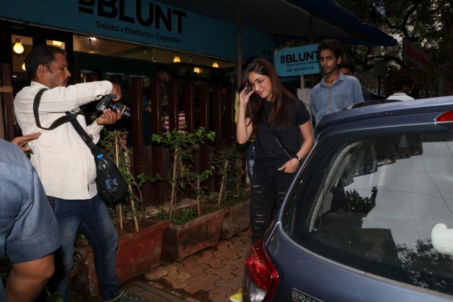 Yami Gautam at BBLUNT In Bandra, Mumbai