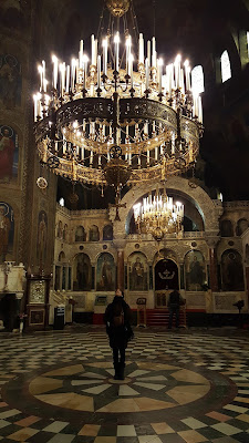 Ainhoa admiring the chandelier in Alexander Nevsky Cathedral
