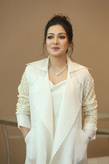 Catherine Tresa at World Famous Lover Movie Trailer Launch