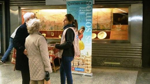 Las estaciones de metro de Colón y Xàtiva acogen mesas informativas de la Fundación Vicente Ferrer