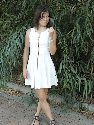 mala-crna-oblekica-white-dress-picture-fashion-blog