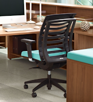 Articulating Office Chair with Self Adjusting Features