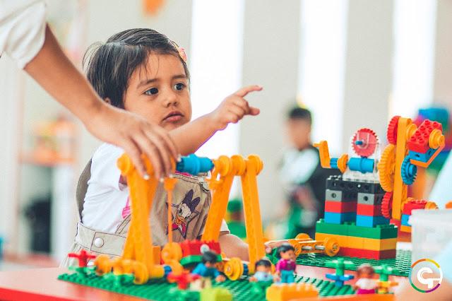 curso taller de robótica educativa para niños y niñas de tres 3 años en arequipa perú