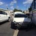Colisão entre três carros e um ônibus na avenida Capitão - Mor-Gouveia