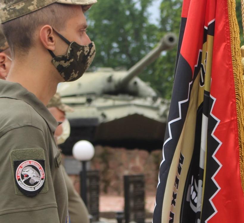 емблеми 1-ї танкової бригади