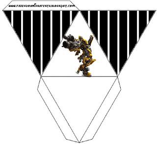 Caja con forma de pirámide de Transformers.